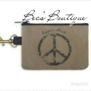 *CLEARANCE* 🎉Host Pick🎉Hippie Chick Coin Purse