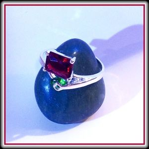 STERLING SILVER & CZ RING                   HP
