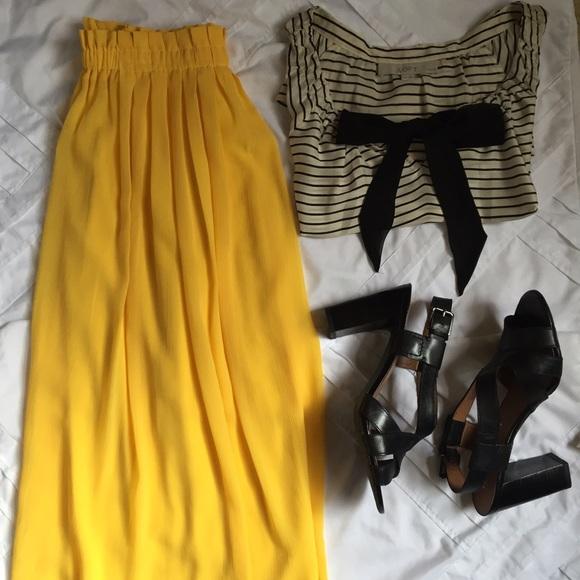 2fa729ca43 LOFT Dresses & Skirts - LOFT yellow midi skirt.