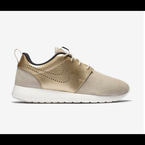 89a7067815389 Nike roshe one premium suede