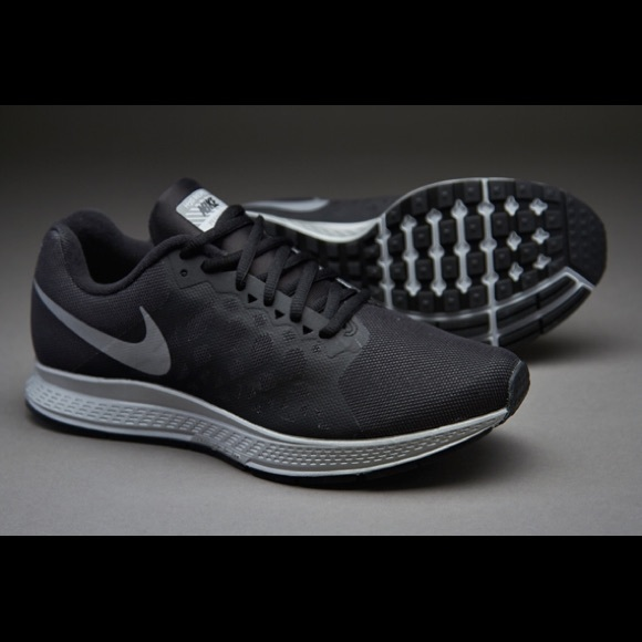 uk availability b2b73 25ced Nike Women s Zoom Pegasus 31 Flash Black. M 56cfcb5bea3f368c97008b1a