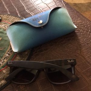 Authentic Ray-Ban sunglasses, case and lens cloth