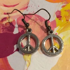 ✨Peace Sign Earrings✨
