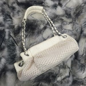 Authentic Ivory Chanel Chain Shoulder Bag