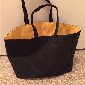 31e058dce088 FENDI Bags - ✅FINAL SALE ✅ Beach Bag