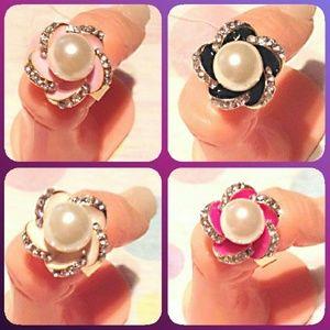 SINKEE JEWELRY PROFESSIONAL Jewelry - Get 4. Cute Sinkee Acrylic Flower Rings!!