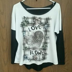 Tops - 💖💔MARKDOWN💖💔! LOVE BLOWS PULLOVER💖💔