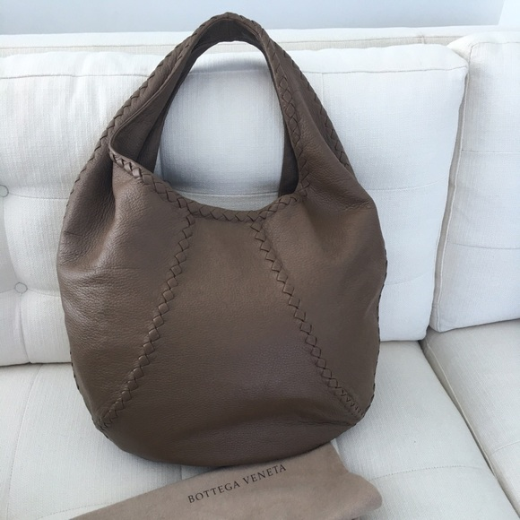 Bottega Veneta Handbags - Bottega Veneta cervo hobo like new! 21cb3c57df30a