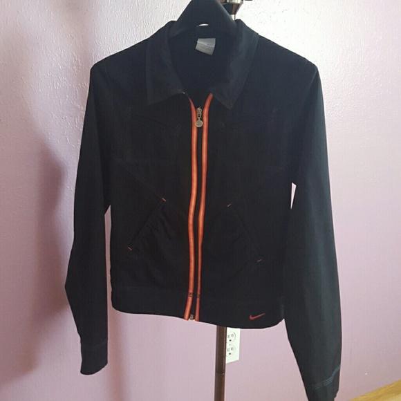 88bf229e558f Nike Lightweight Sports Jacket. M 56d1fdea5c12f899f8036fb9
