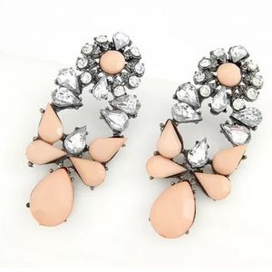 Jewelry - Women's fashion earrings