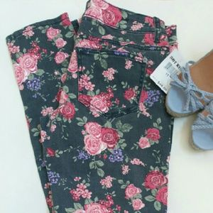 Hot Kiss Denim - NWt Hot Kiss Skinny Lily floral jeans 11