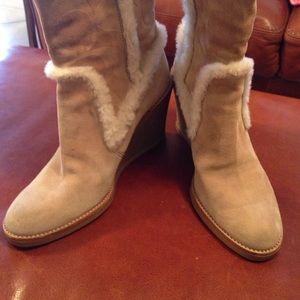 Coach Shoes - ‼️Winter  ‼️Coach signature Jonie suede boots
