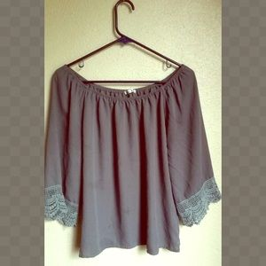 Grey shoulder top size S/M