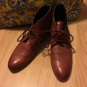 Chelsea Crew Shoes - Maroon Leather Booties