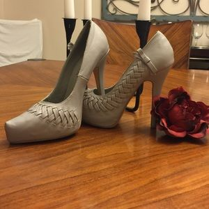 Liliana Shoes - Beautiful Liliana gray high heels!