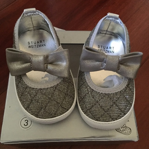 03bed877779 NEW STUART WEITZMEN BABY INFANT GIRL BOW SHOES