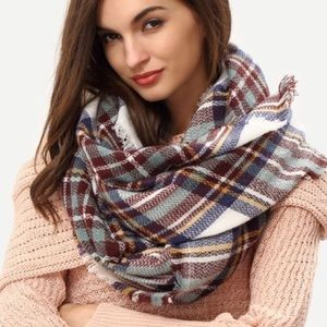 Accessories - Beautiful Blanket Style Wrap/Scarf