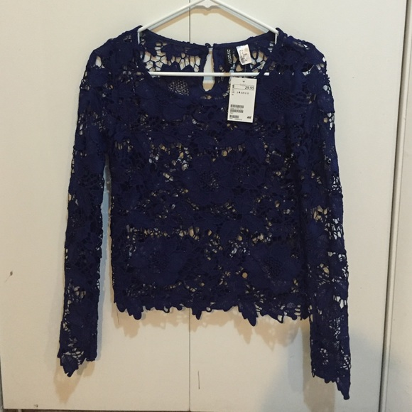 48c3575f36a NWT Navy blue lace long sleeve top