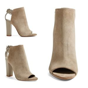 Vince Shoes - Vince Addison Leather Boot in Woodsmoke 40
