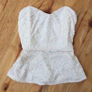 NWOT tobi sweetheart white lace peplum top