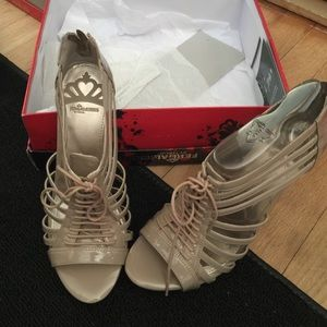 Fergalicious nude patent heels