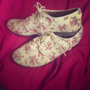 Forever 21 Floral Oxford Shoes