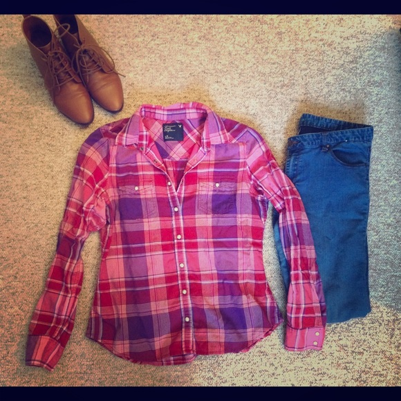 American Eagle Outfitters Purple And Pink Button Up