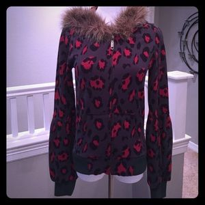 Tops - Gray and red cheeta print hoodie with faux fur