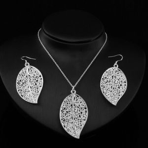 Jewelry - Leaves earrings and necklace Silver  set