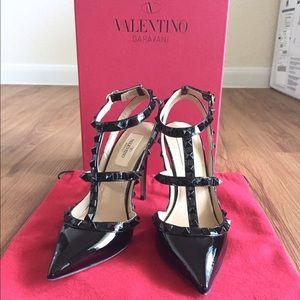 Valentino Shoes - SALE❗️VALENTINO ROCKSTUD ALL BLACK PATENT LEATHER