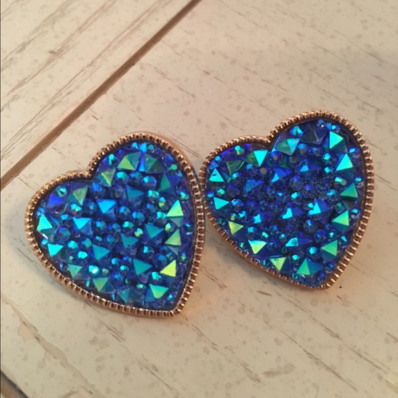 Dollskill Jewelry - Blue Crystal Heart Earrings
