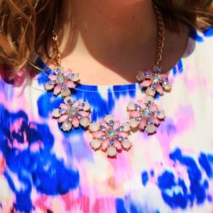 sparkles & pop Jewelry - pink, white & lavender flower statement necklace