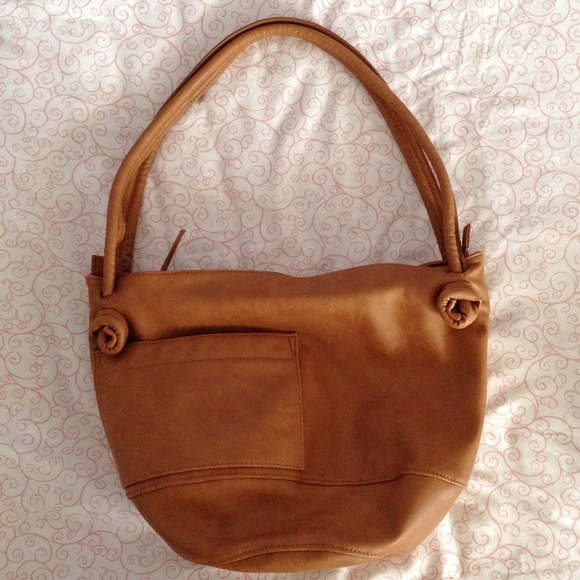 UO (never used) tan zip bag Erin Templeton 0ccd8d367d897