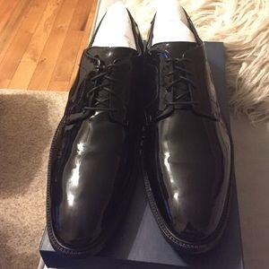 Men's black patent leather dress shoes