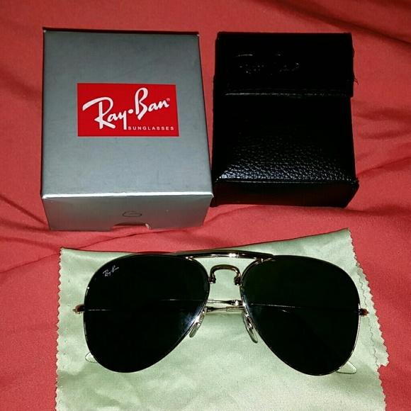 b40b2de4237 Ray-Ban gold rimmed folding sunglasses. M 56d3ca1deaf030af43017856