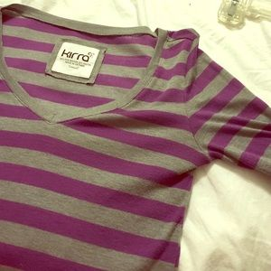 Kirra purple /gray euc v neck fitted top
