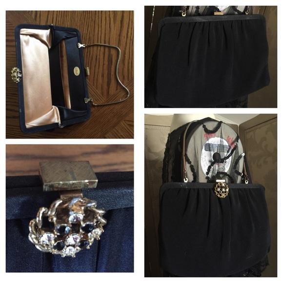 Vintage ANDE Black Fabric Clutch   Handbag w Chain.  M 56d42b5ef0137d829406b02c fe05f6db0c