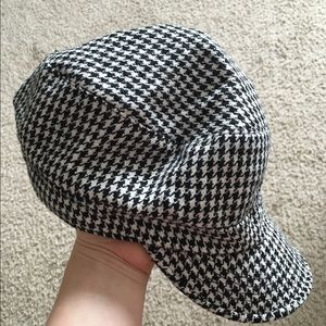 Black and white hat never worn