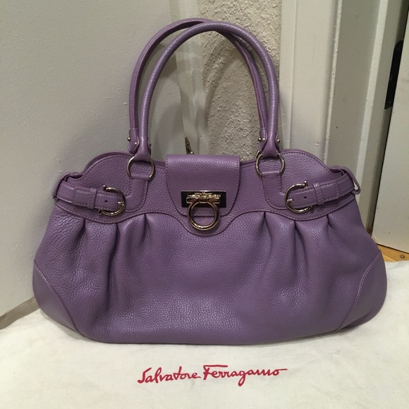 aedff4e5a4 Salvatore Ferragamo Marissa bag. M 56d491554e95a3bb29005bb9