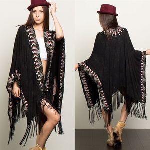Sweaters - Aztec Print Poncho