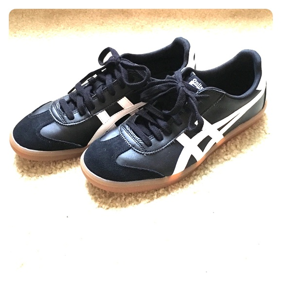 shoes like asics gel kayano