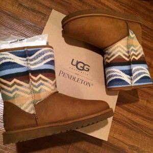 UGG Australia & Pendleton Size 6