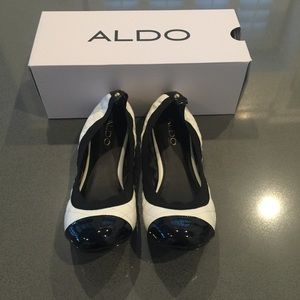 ALDO Shoes - Aldo worn once size 9