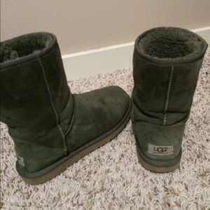 dark green uggs