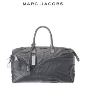 Marc Jacobs Handbags - ✨SALE Marc Jacobs Lita Handle Bag in Black Leather