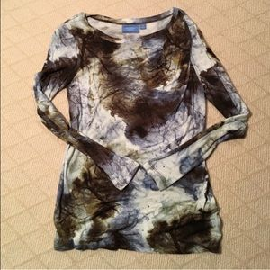 NEW‼️Vera Wang Soft Patterned Top