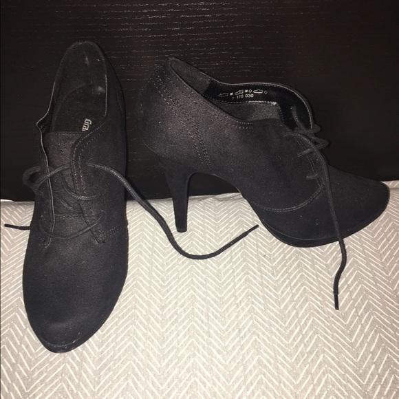 30b70291e506 Graceland Shoes - Graceland black bootie heels