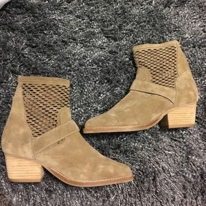 Jeffrey Campbell Shoes - Jeffrey Campbell booties!!