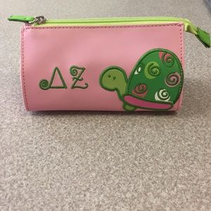 DZ cosmetic bag (3 available)