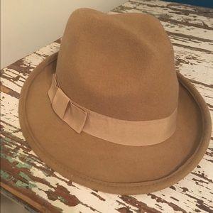 100% wool tan / camel fedora hat.   NWOT